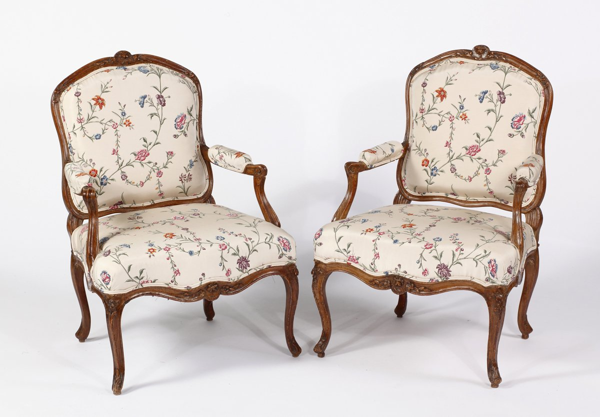 A Fine Pair of Louis XV Beechwood Fauteuils a la Reine Stamped Nicolas Blanchard